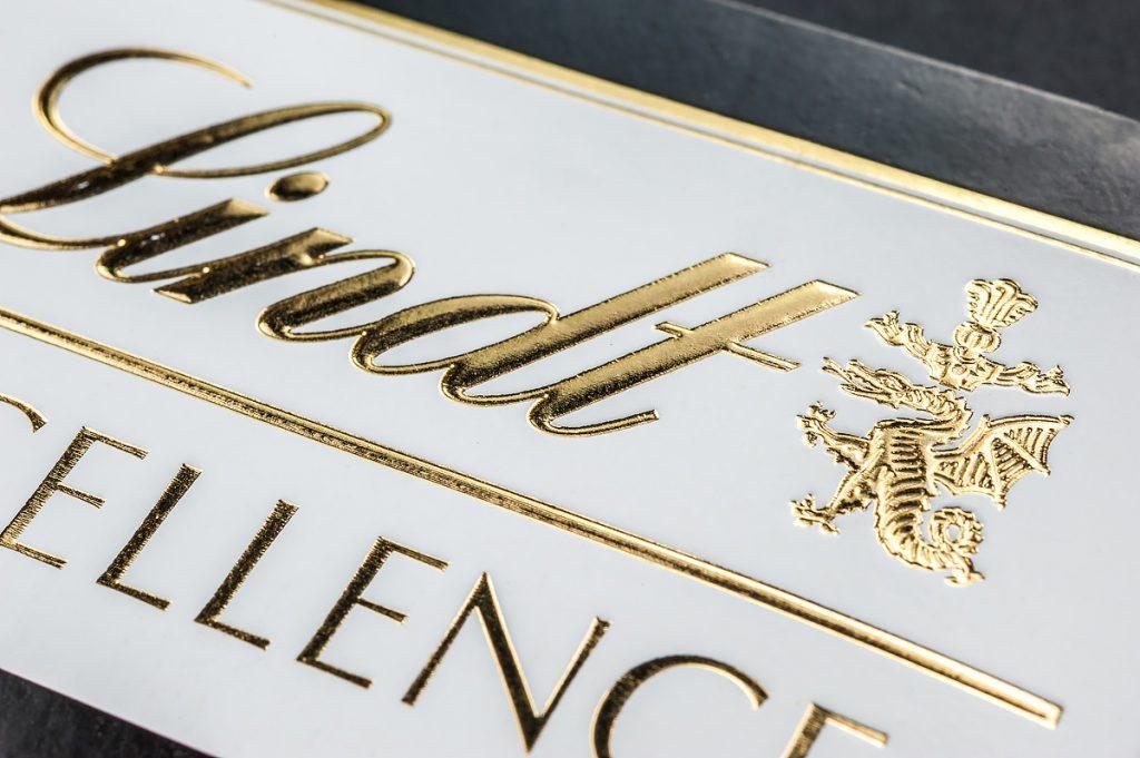 terminologi desain grafis hot print emas